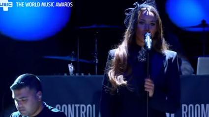 Leona Lewis Feat Naughty Boy - La La La (Live)