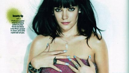 Lily Allen is smoking!