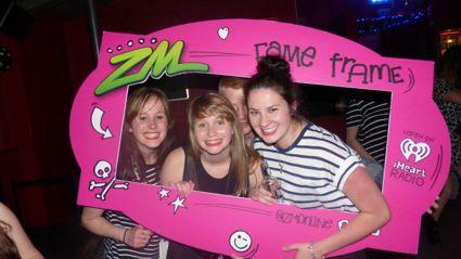 DUNEDIN - ZM Spring Break at Starters Bar Fame Frame Photos