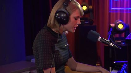 Taylor Swift Covers Vance Joy's Riptide