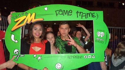 HAMILTON - ZM & Pro Fresh Foam Party Fame Frame Photos