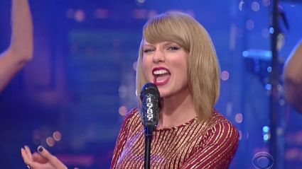 Taylor Swift - 'Welcome To New York' Live (The Thanksgiving Day Parade)