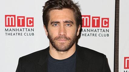 Jake Gyllenhaal is RIPPED in New Movie