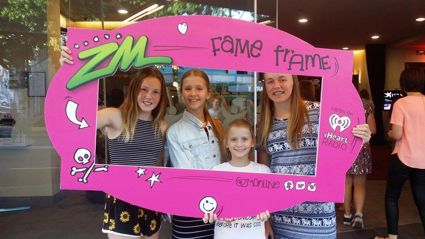 TARANAKI - BROODS Live Fame Frame Photos