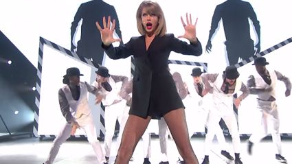 Taylor Swift Performs 'Blank Space' at BRIT Awards 2015