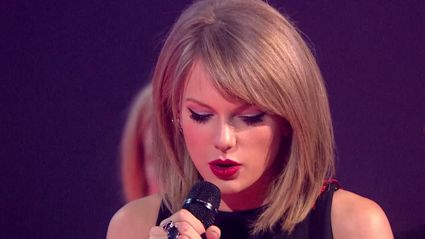 Taylor Swift Wins Best International Female at BRIT Awards 2015