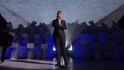 Sam Smith Performs 'Lay Me Down' at BRIT Awards 2015