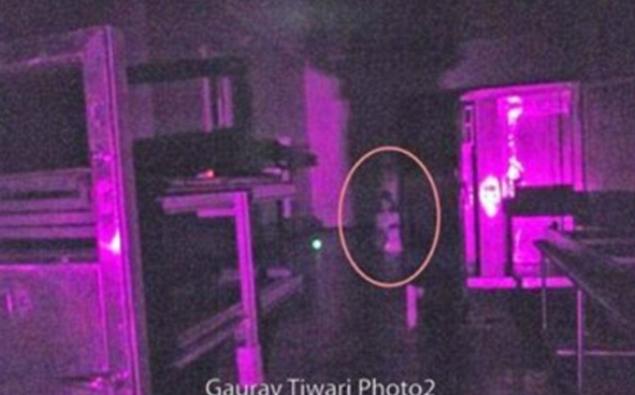 Ghost girl captured kneeling on floor of abandoned asylum for 10th floor ghost girl