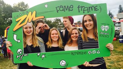 WAIKATO - The Zuru Night Glow Fame Frame Photos