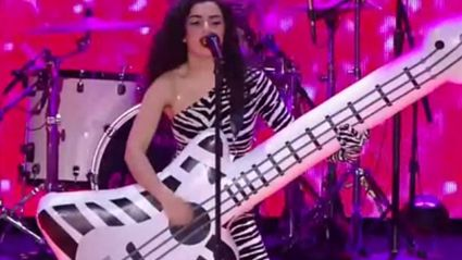 Charli XCX, Ty Dolla $ign & Tinashe Perform 'Drop That Kitty' Live