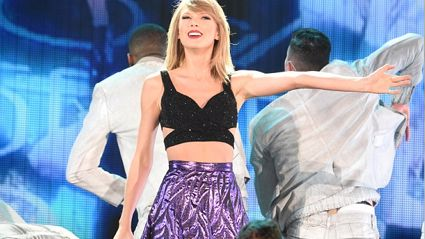 Wanna See Taylor Swift's 1989 World Tour Set-list?