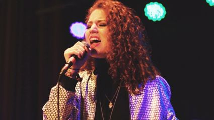 Jess Glynne Will Release Her Debut Album 'I Cry When I Laugh' This Summer