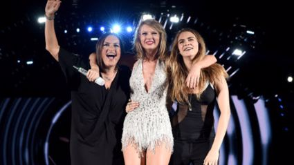 Cara Delevingne And Mariska Hargitay Join Taylor Swift Live On Stage