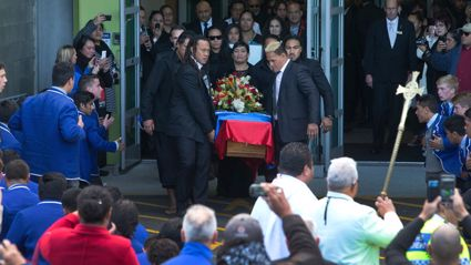 Thousands Farewell Jerry Collins
