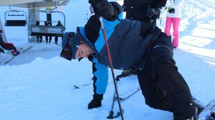 Jase Learns to Ski
