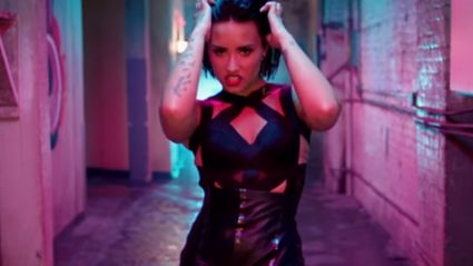 "Demi Lovato - ""Cool For The Summer"" (Official Music Video)"