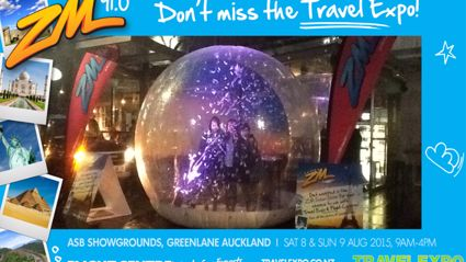 AUCKLAND - Travel Expo Snow Globe