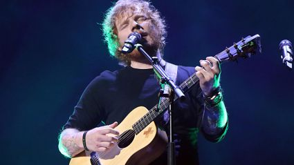 "Ed Sheeran Performs ""Thinking Out Loud"" With Chris Martin"
