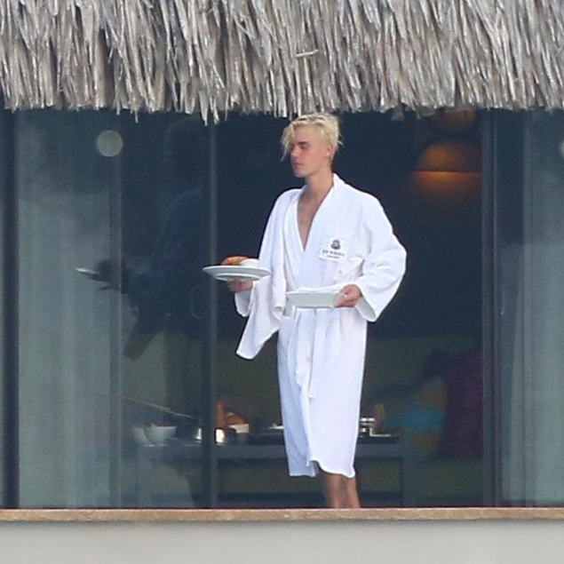 Justin Bieber Talks With Ellen About His Nude Pics   Gay
