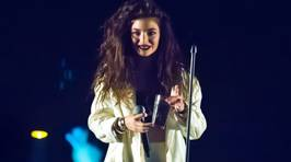 Lorde Answers Fan Questions On Tumblr