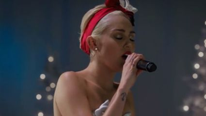 "Miley Cyrus Sings ""Silent Night"" and It's Beautiful"