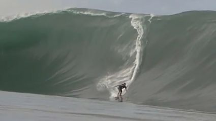 Unbelievable Surfing Wipe-Out In Tahiti