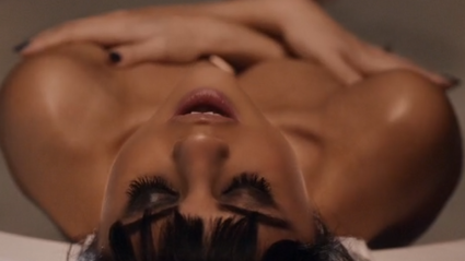 """Selena Gomez Debuts INSANELY SEXY Music Video for """"Hands To Myself"""""""