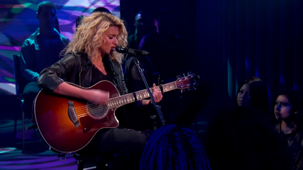 Tori Kelly Performs New Song on Jimmy Kimmel Live