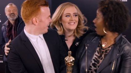 Adele Photobombs Unsuspecting Fans