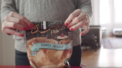 VIDEO: This Life-Hack For Closing A Bag of Opened Chips is TOO GOOD