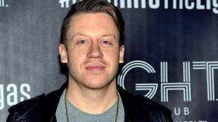 Macklemore Has A Naked Oil Painting of Justin Bieber