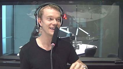 GOT Star Alfie Allen Had a Kiwi Nanny Growing Up, What She did to Him Was Hilariously Cruel