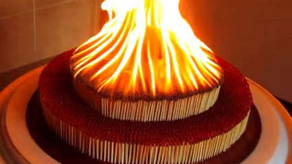 7000 Matches Burning Together Looks So Awesome