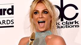 PHOTOS: Britney Spears Just Showed Off Killer Abs at The BBMA's