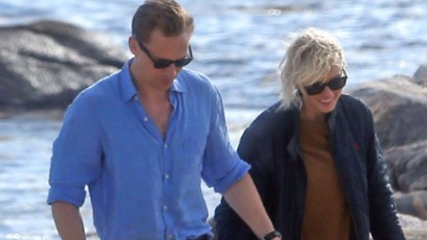 Taylor Swift Spotted KISSING Tom Hiddleston!