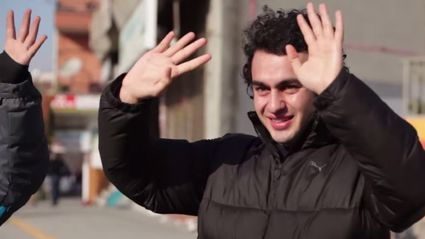 Deaf man gets amazing surprise when his entire town learns sign language