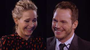 Chris Pratt and Jennifer Lawrence fail at keeping straight faces during insult battle