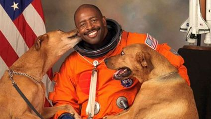 The story behind this astronaut's adorable NASA photo is full of feels