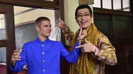 Justin Bieber is working with the Pineapple Pen guy!!!