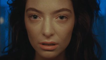 "Lorde drops her new music video for ""Green Light""!!"