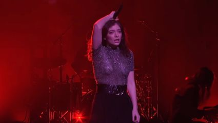 Lorde responds to dance haters who mocked her
