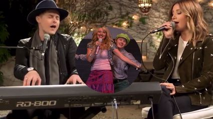 """Ashley Tisdale and Lucas Grabeel perform """"What I've Been Looking For"""" after 10 freaking years!"""