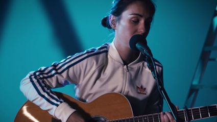 Amy Shark performs an acoustic rendition of her hit single ' Adore'