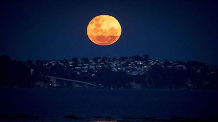 Michael Craig took this photo of the first in the 'Supermoon trilogy' on December 5th, 2017. (Photo: Michael Craig/NZ Herald)