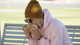 Someone please educate Justin Bieber on how to eat a burrito