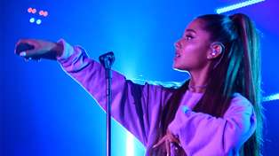Ariana Grande in constant pain due to high ponytail
