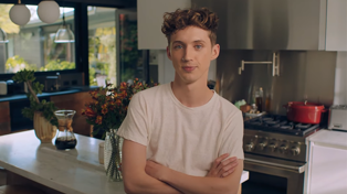 Troye Sivan discusses being called a 'gay icon' in Vogue 73 Questions