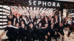 Sephora just announced all the locations for the Sephora Beauty Bus!