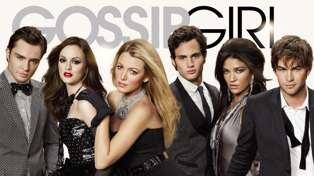 The original voice of Gossip Girl is coming back for the reboot!
