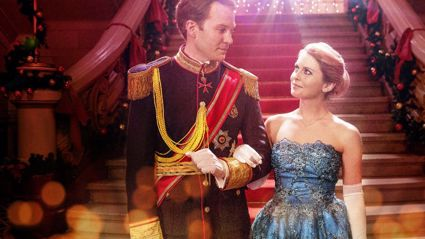 The trailer for Netflix's 'The Christmas Prince 3 is here!